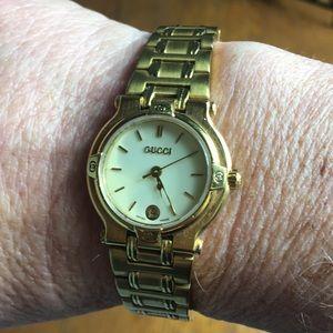 Classic Gucci Gold-tone Ladies Quartz Watch  9200L